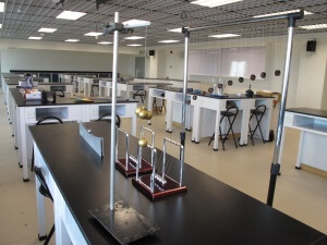 科技大楼第8楼发现楼-物理实验室1